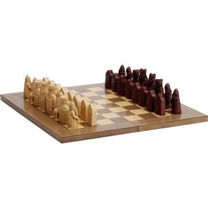 Isle Of Lewis Style Chess Set With Board